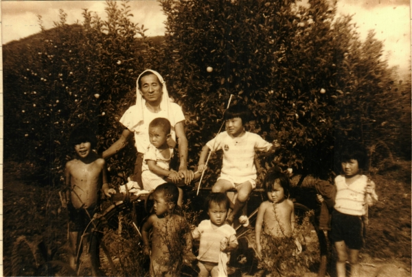 용상동 집에서 아이들의 여름 물놀이